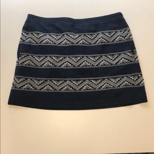 Hinge Embroidered navy and white mini skirt